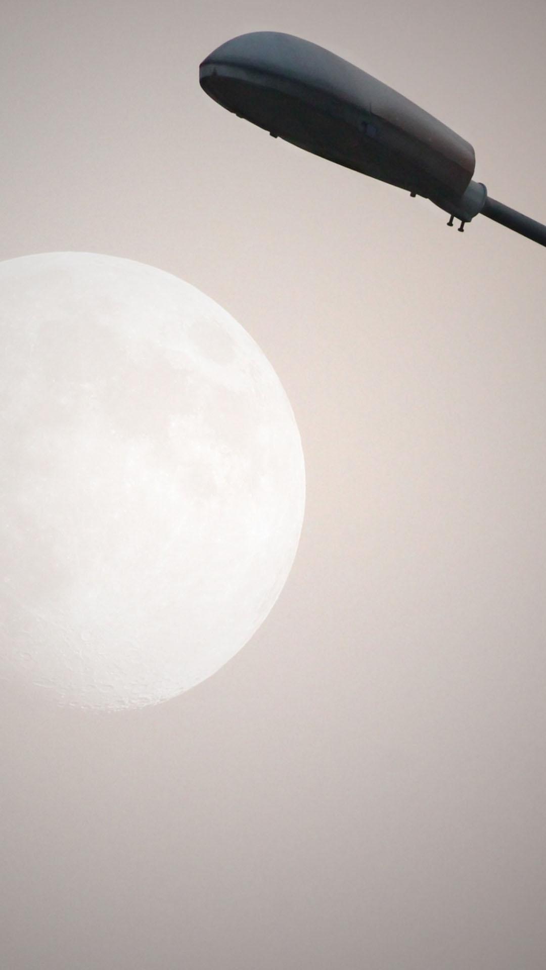Street Light Moon iPhone 6 Plus HD Wallpaper