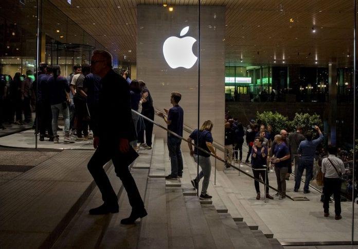apple-yeni-urunlerini-sizdirmaya-hazirlanan-12-kisiyi-kovdu