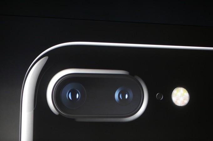 applea-sok-iphone-x-ve-iphone-8-plusin-kamera-davasi