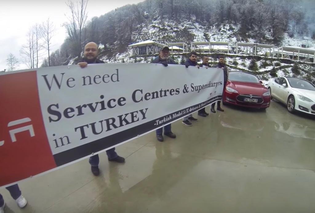 Tesla, Türkiye'de İş İlanı Verdi! İlk Mağaza İstanbul'da!