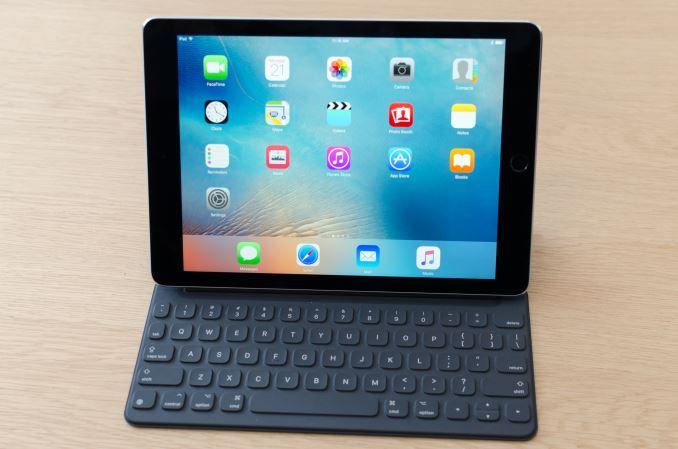 9-7-inc-iPad-Pro-Smart-Keyboard