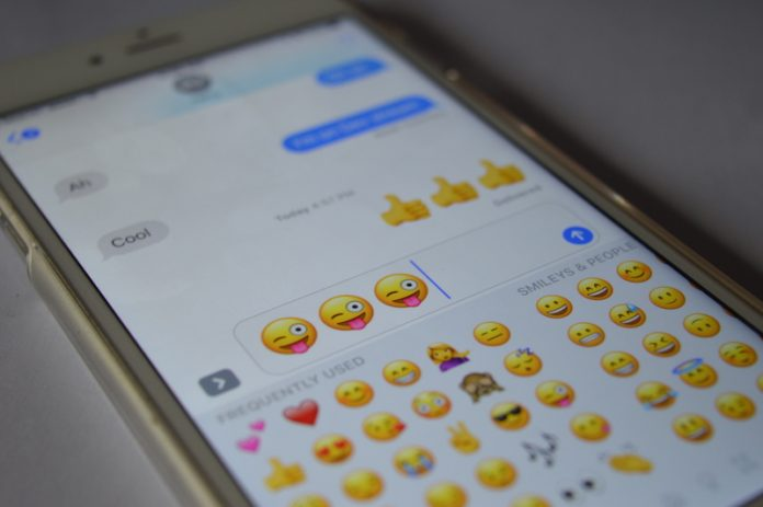 iOS-10-3-Kat-Buyuk-Emoji