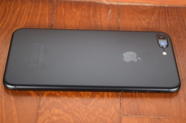 iphone-7-plus-siyah-yan