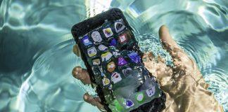 iPhone-7-su-altinda